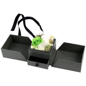 Geschenkbox Rosen grün-weiß