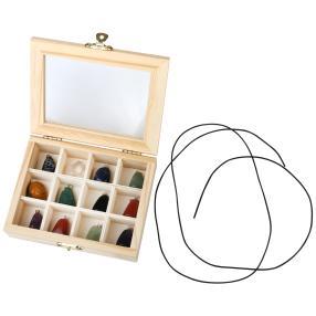 Holzbox mit 12 Edelsteinanhängern
